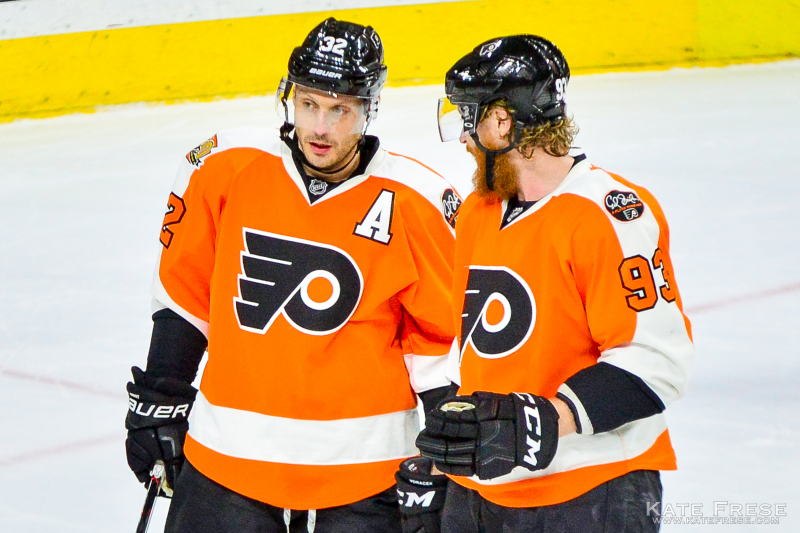 12-8-2016_FlyersvsOilers_1st_credKateFrese-11