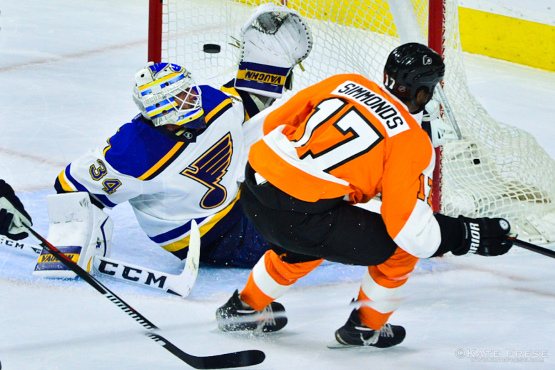 12-21-15_FlyersvsBlues_2nd_credKateFrese-6